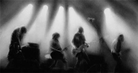 Study for Empty Rock Concert Stage (2010) Tinta y carboncillo sobre pergamino (26,8X50,8) Galería Soledad Lorenzo